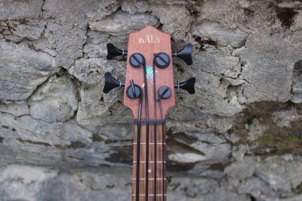 Kala U Bass Spruce Top with original gig bag