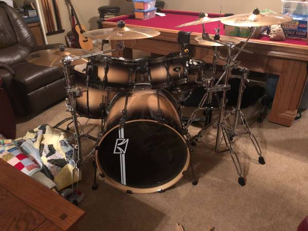 Tama Superstar 4 Piece Drum kit with cymbals and hardware