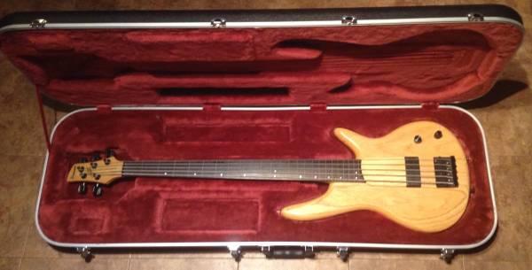 Rare Ibanez Gary Willis 1, 5 strings fretless bass