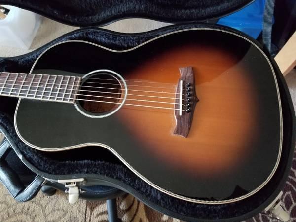 Tanglewood TW73VS Parlor Guitar