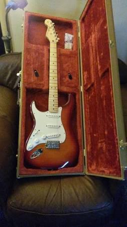 lefthanded Fender Standard Strat Plus