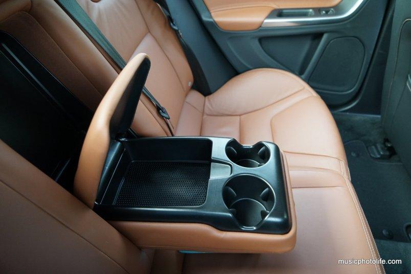 Volvo S60 T5 rear passenger