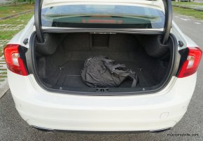 Volvo S60 T5 boot space