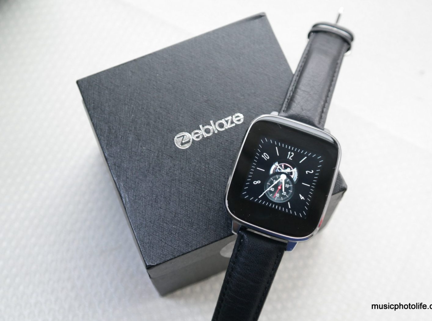Zeblaze Crystal Review: Smartwatch for Android and iPhone