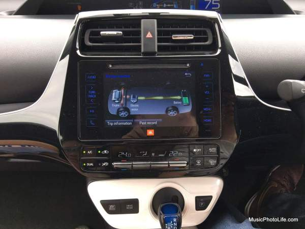 Toyota Prius 2016 Energy monitor