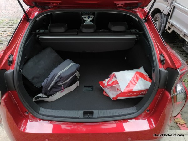 Toyota Prius 2016 boot space