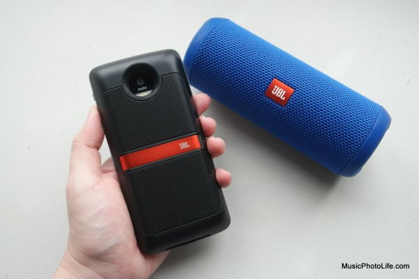 Moto Mod JBL Soundboost speaker review by musicphotolife.com