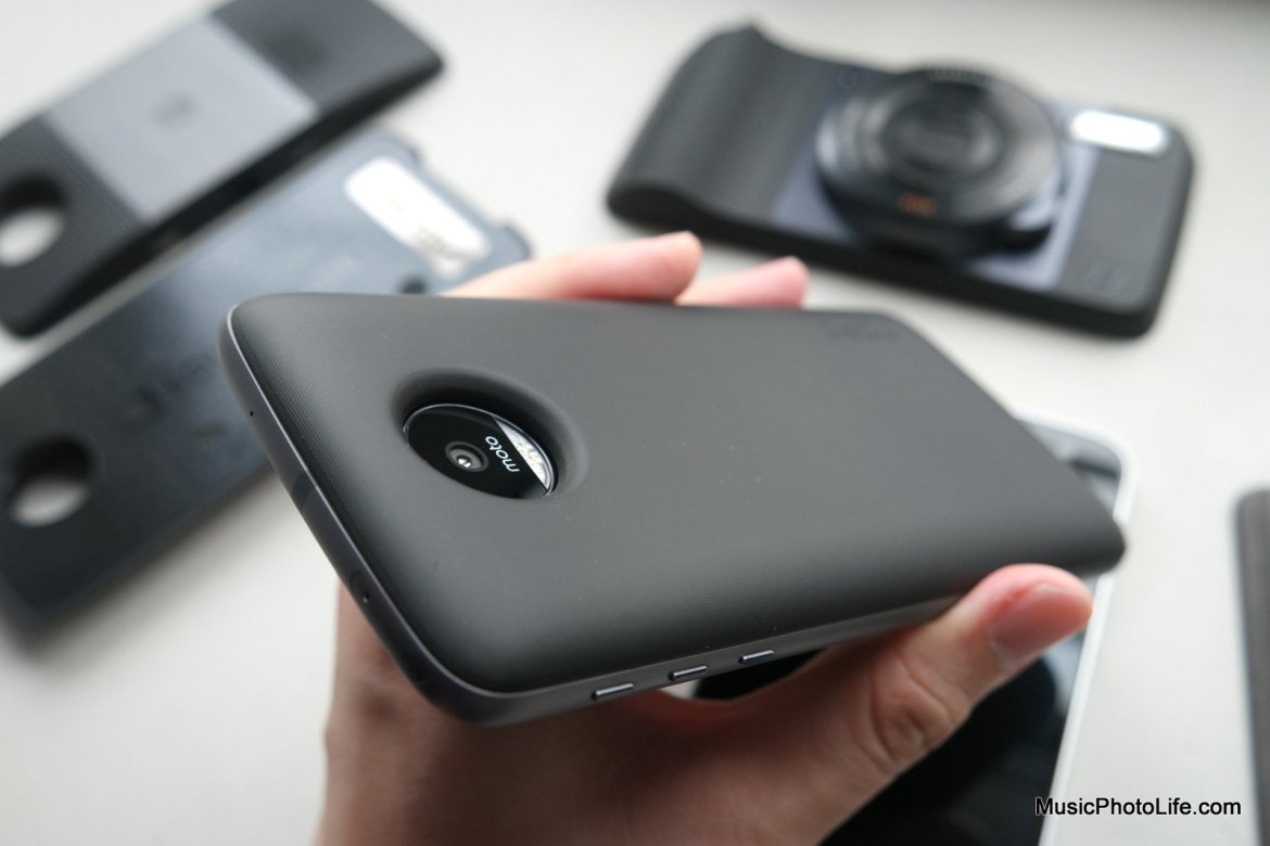 Moto Mods Incipio offGRID Power Pack review by musicphotolife.com