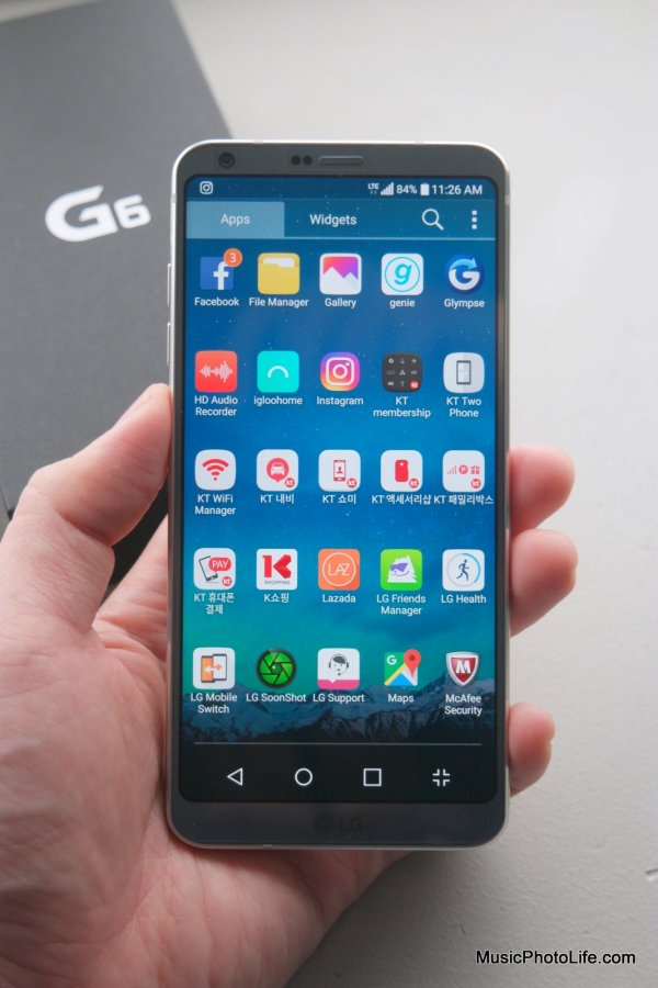 LG G6 front display, review by musicphotolife.com