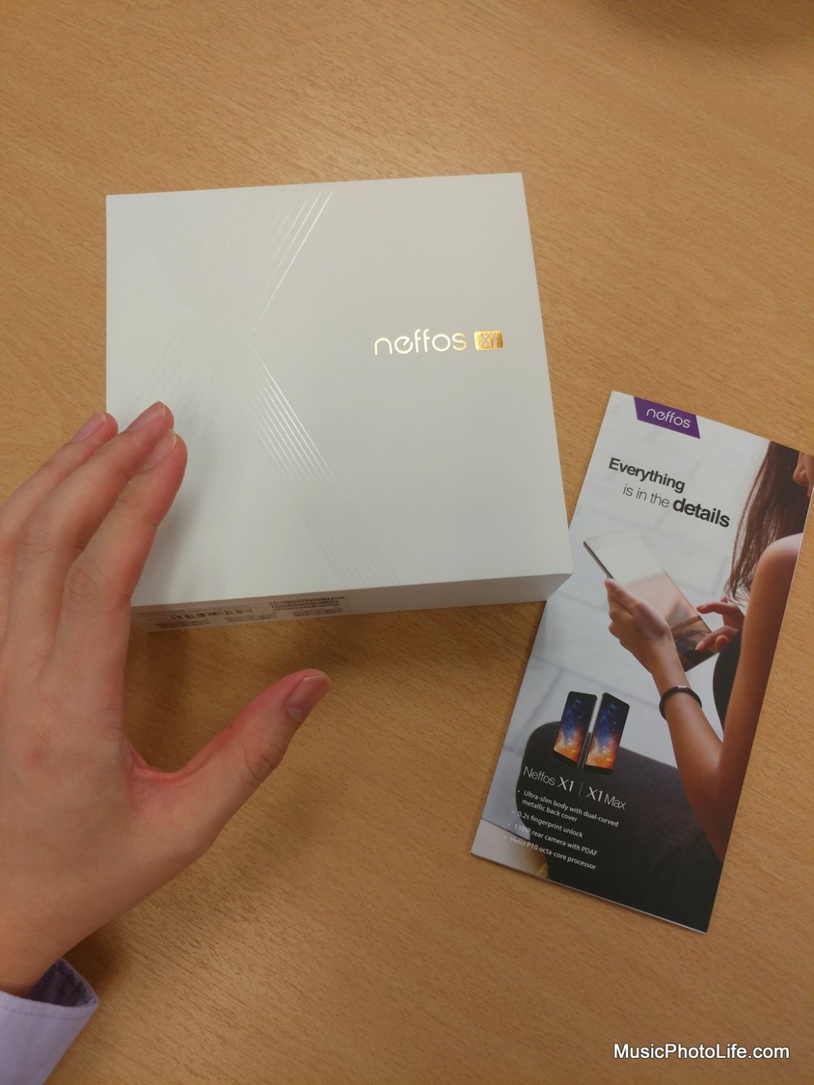 Neffos X1 box, review by Singapore gadget reviewer Chester Tan