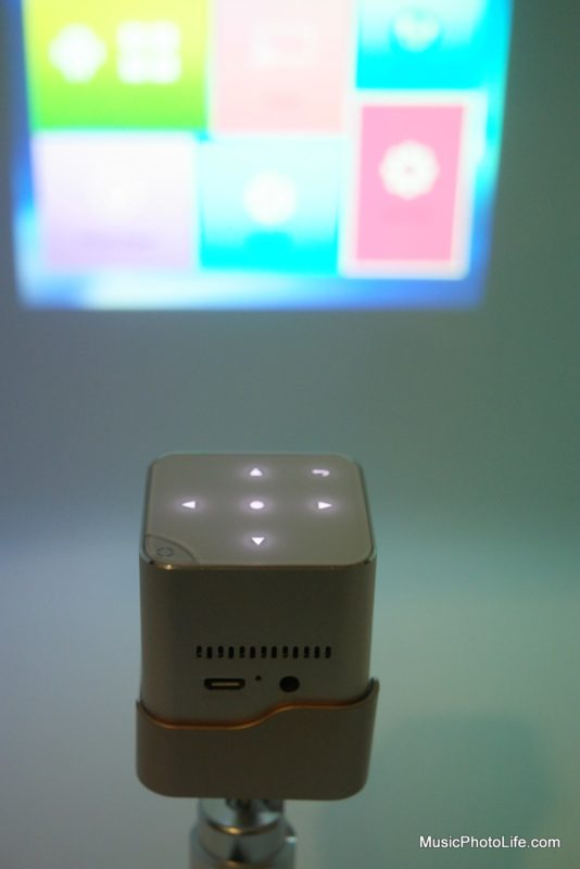 GoldTouch Asia Eye Mini Series Projector review by Chester Tan musicphotolife.com