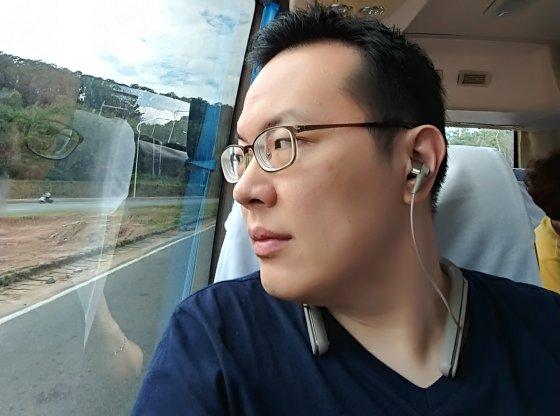 Sony WI-1000X neckband earphones review
