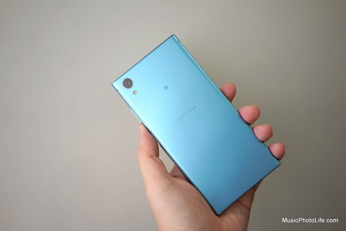 Sony Xperia XA1 Plus rear view