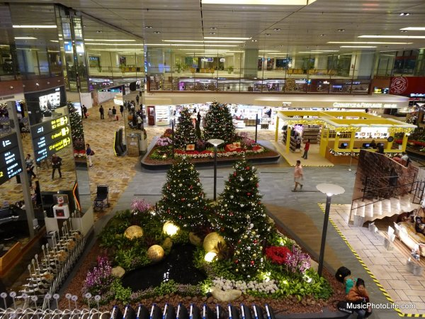 Sony DSC-HX99 photo sample - Changi Airport, Singapore