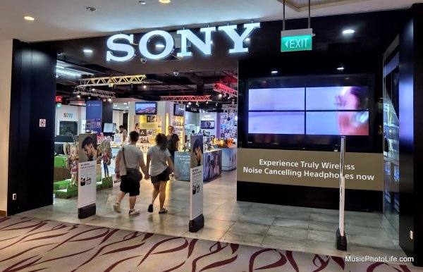 Sony Store Singapore at 313 Somerset