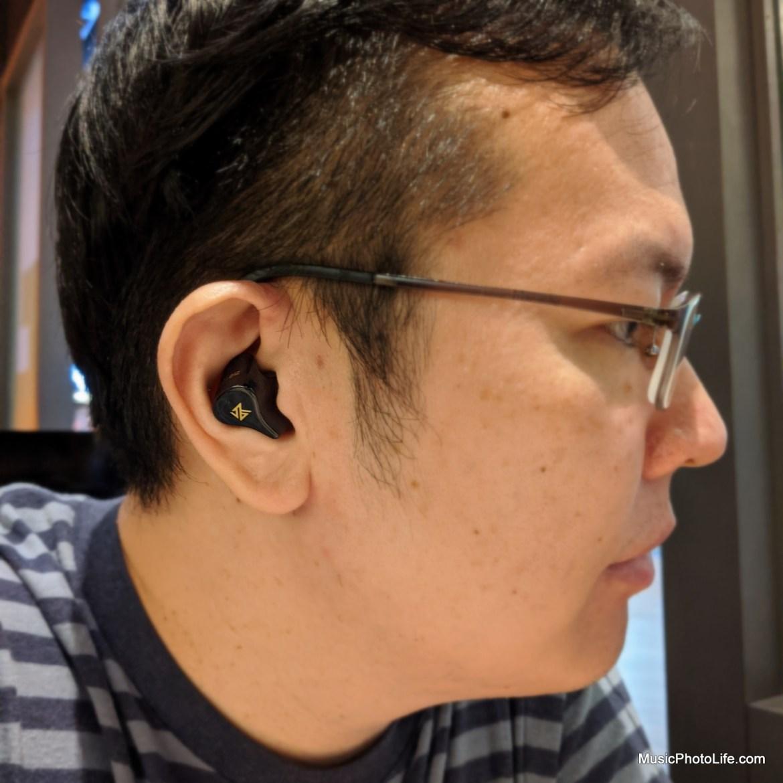KZ Z1 true wireless earbuds review by Music Photo Life, Singapore tech blog