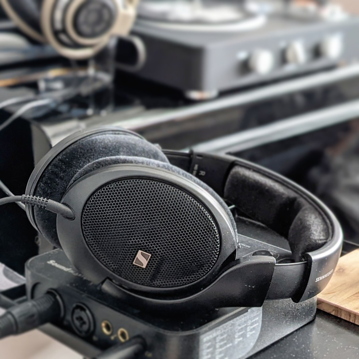 Sennheiser HD 560S review by Music Photo Life, Singapore tech blog