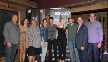 "Cole Swindell's ""Middle Of A Memory"" Celebrated In Nashville :"