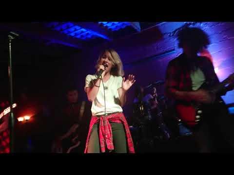 """""""Ctrl"""" – Moorelo (En vivo)"""
