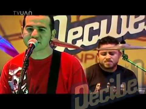 Serie B – Noches (De Luna Llena) (En Vivo en Decibel)