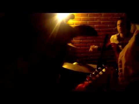 Mexican Juligans – Kumbia Zombie (en vivo) La Covacha, Tlaxcala, 2015