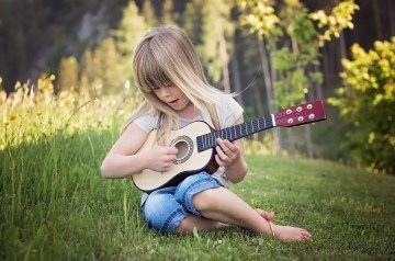 best guitar for kids