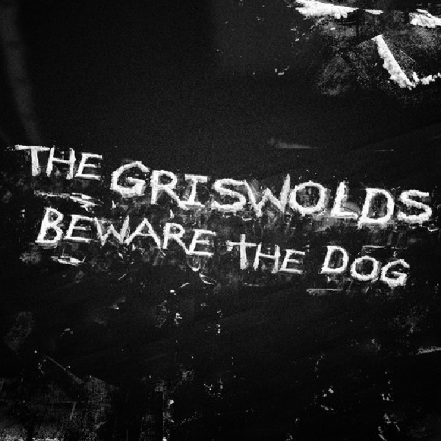 the-griswolds-beware-the-dog-single