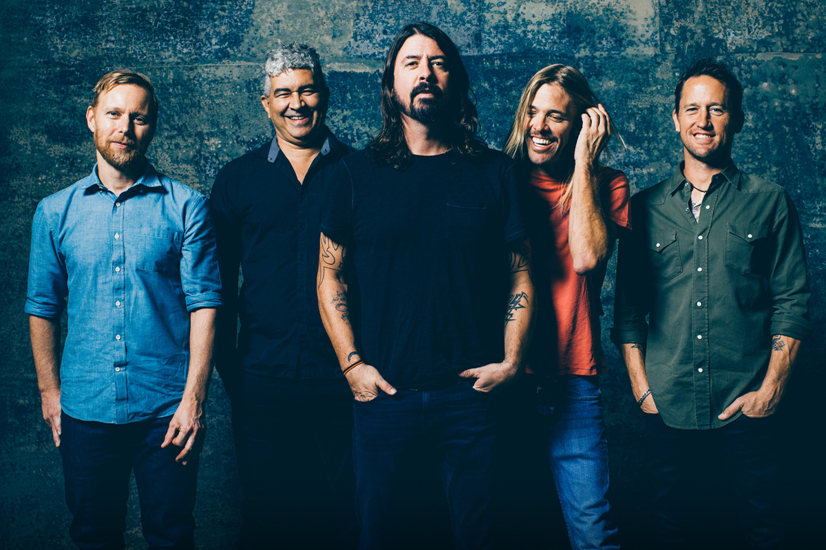 foo-fighters-2017