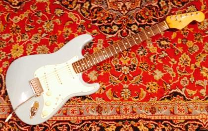 Fender American Standard Stratocaster RW Daphne Blue gebraucht