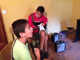 Guitarra y voz - MusikalSol 2014