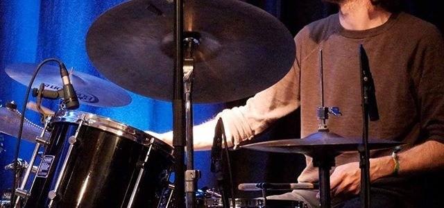 Leo Binas – Schlagzeug