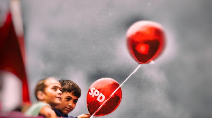 Da fliegt der SPD die Solidarität um die Ohren. Foto: Hufner