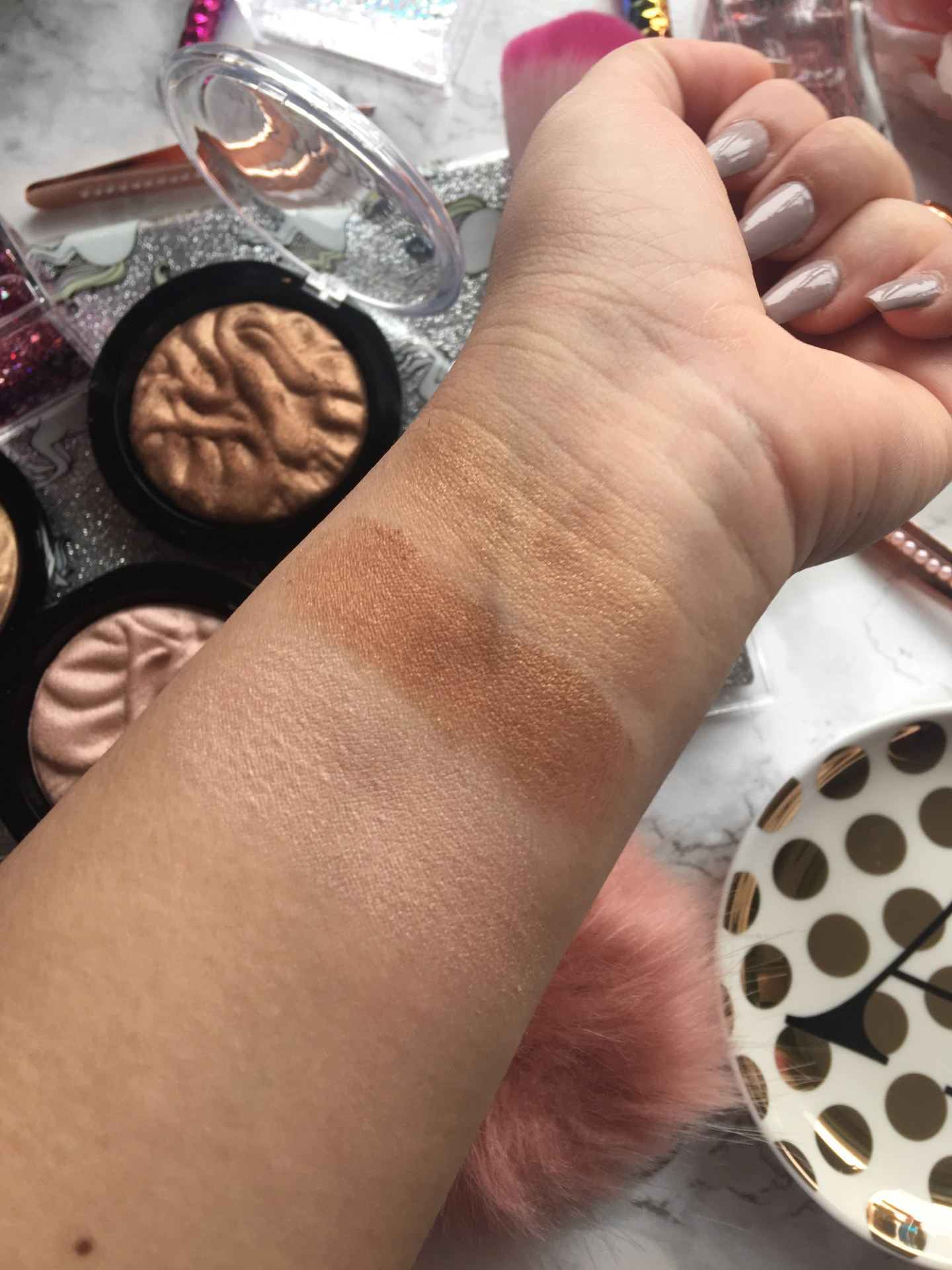 Makeup Revolution Strobe Highlighter Swatches