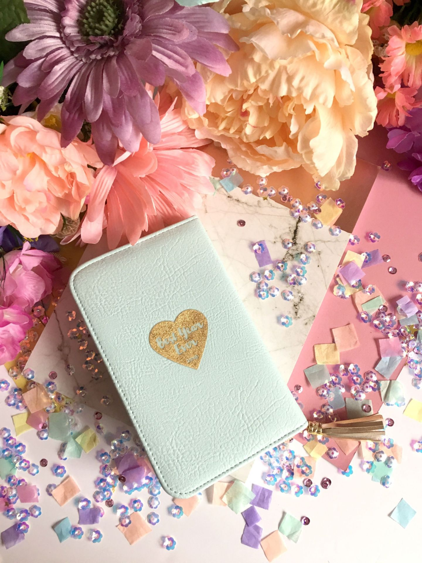 Too Faced Pretty Little Planner (19)