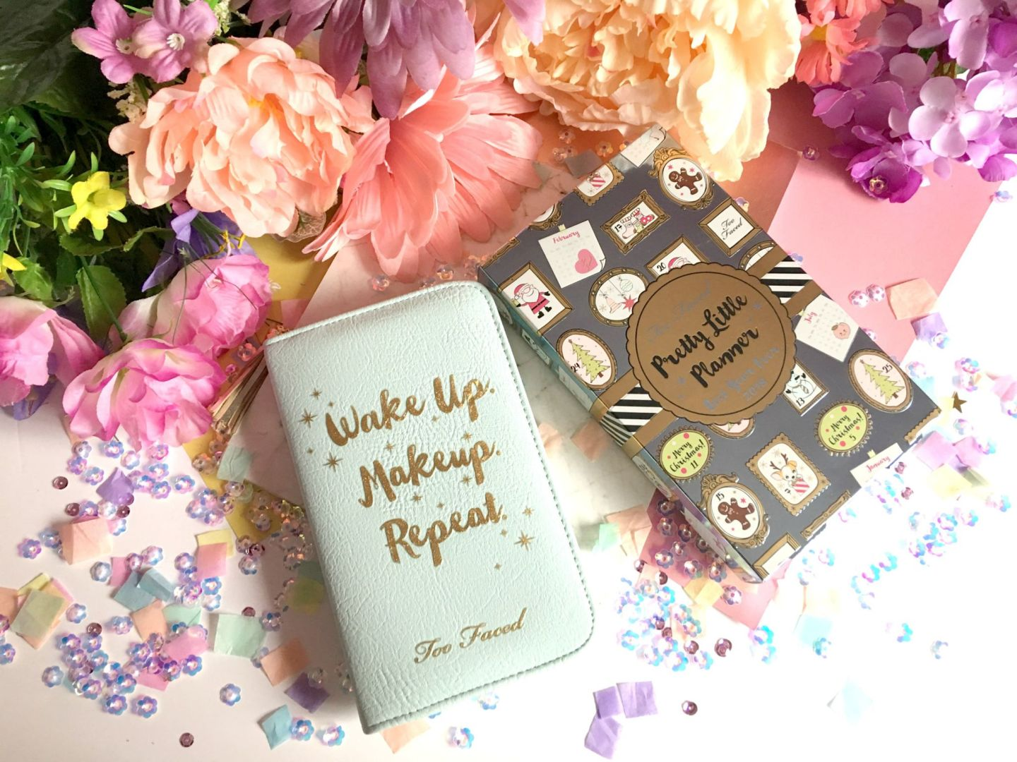 Too Faced Pretty Little Planner (5)