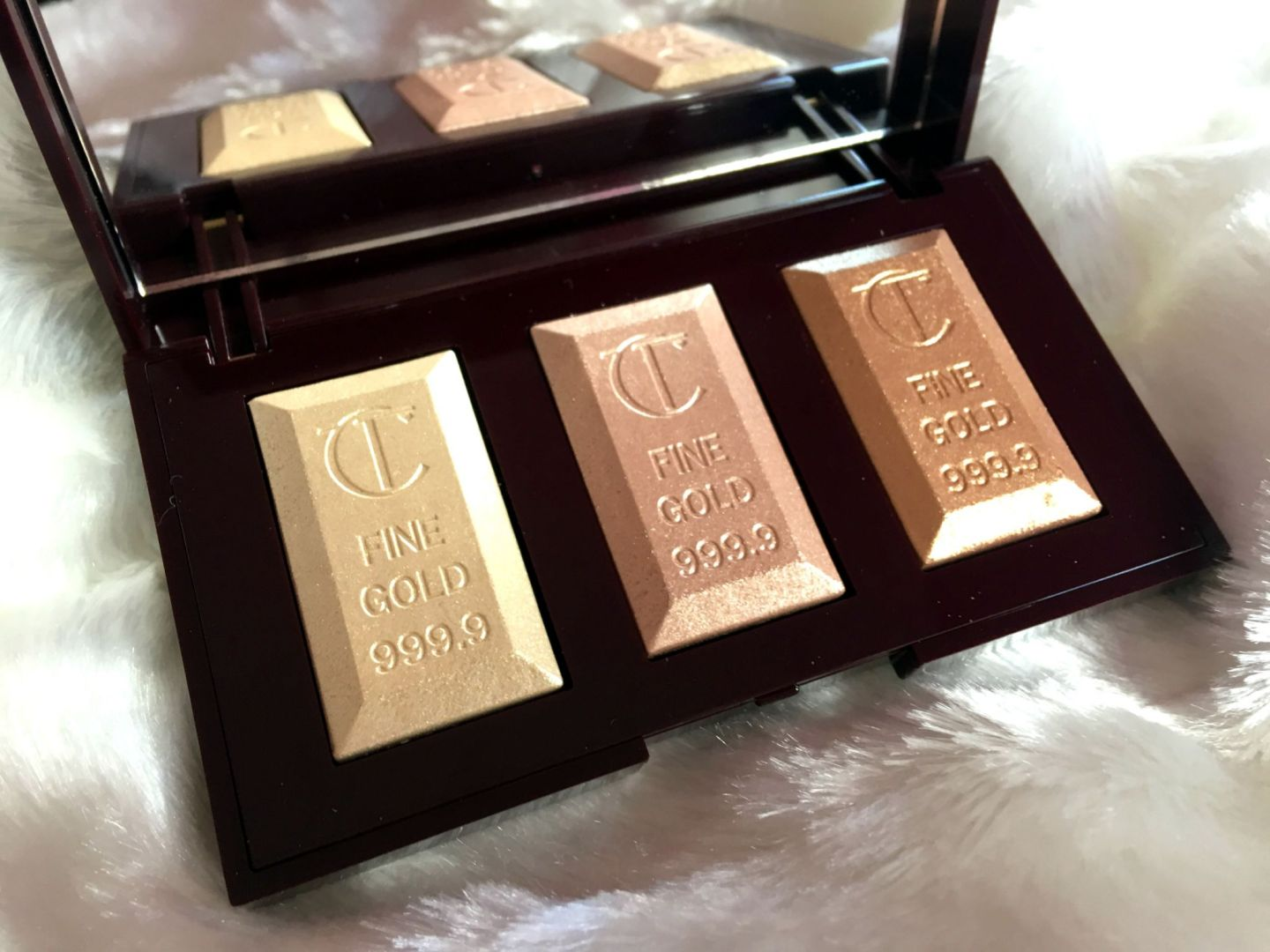 Charlotte Tilbury Bar of Gold Palette Musings of a Makeup Junkie (8)
