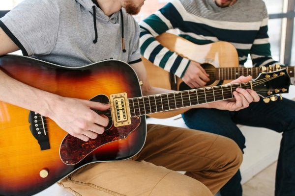 Guitar Lessons Montreal Teaching student