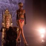 Rihanna - Pour It Up Pictures 1