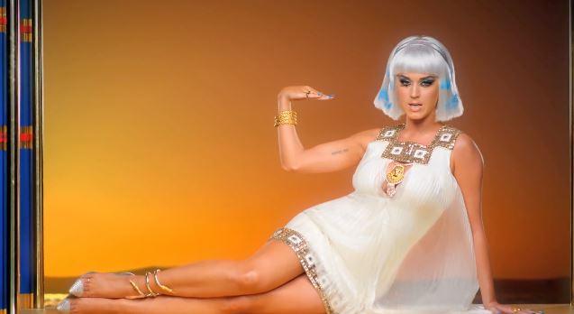 Katy Perry 'Dark Horse' Ft. Juicy J
