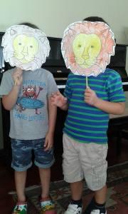 Nico y Gael - león
