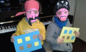 Piratas con tabla sonidos agudos-graves