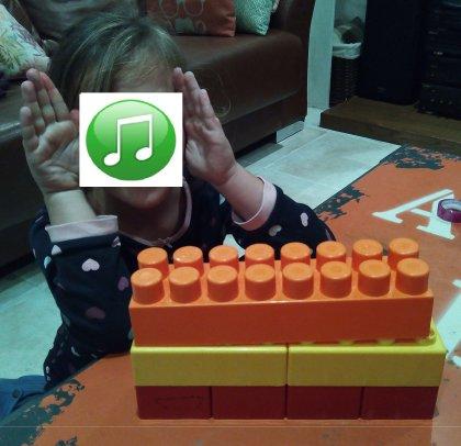 M - Lego blog