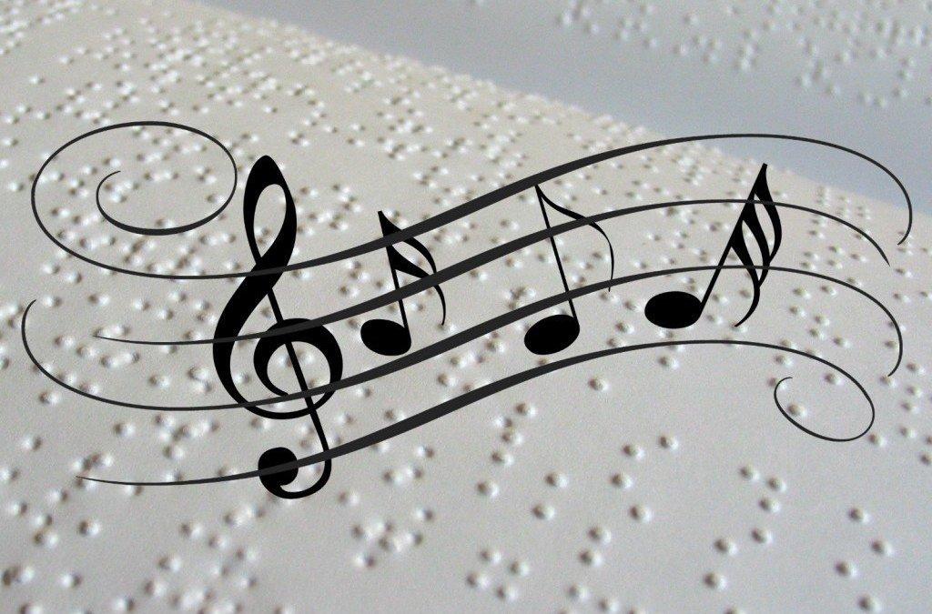 Así trabajo musicografía braille con Valentina