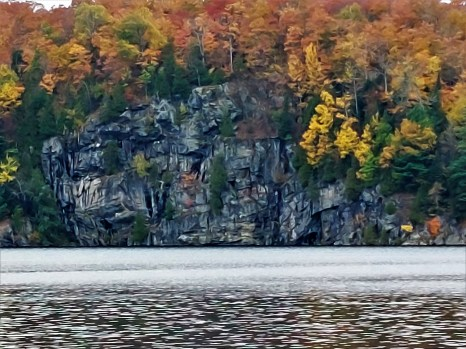 Echo Lookout from across the lake