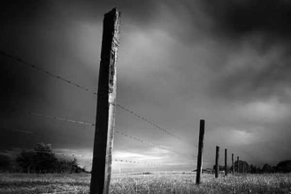 Sebab-Sebab Yang Menjadikan Dosa Kecil Dihukumi Sebagai Dosa Besar (1)