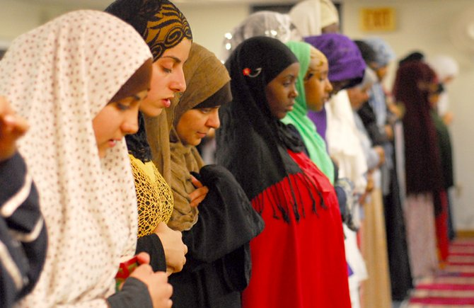 Image result for muslim women in prayer