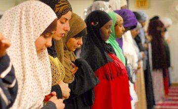 When In Salaat: 8 Ways to Increase Focus During Prayer
