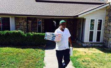 Ahmed Mohamed's Dad Gave the Media Free Pizza