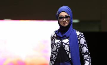 Japan Holds Its First Ever Fashion Show for Muslim Women