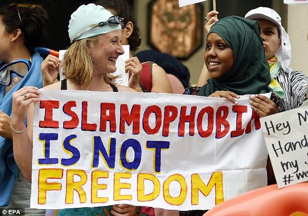 A Non-Muslim Guide to Standing up to Islamophobia